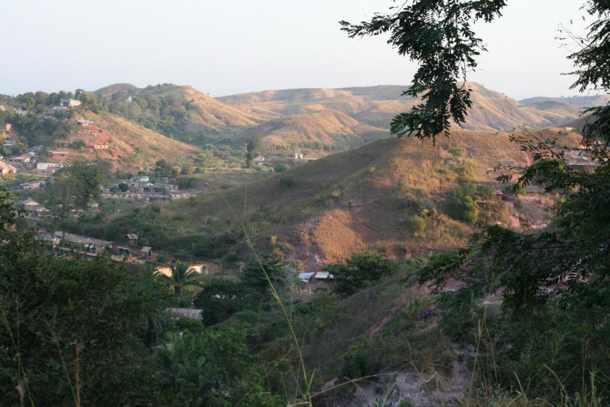 2008 vue du haut de la colline sncc 001